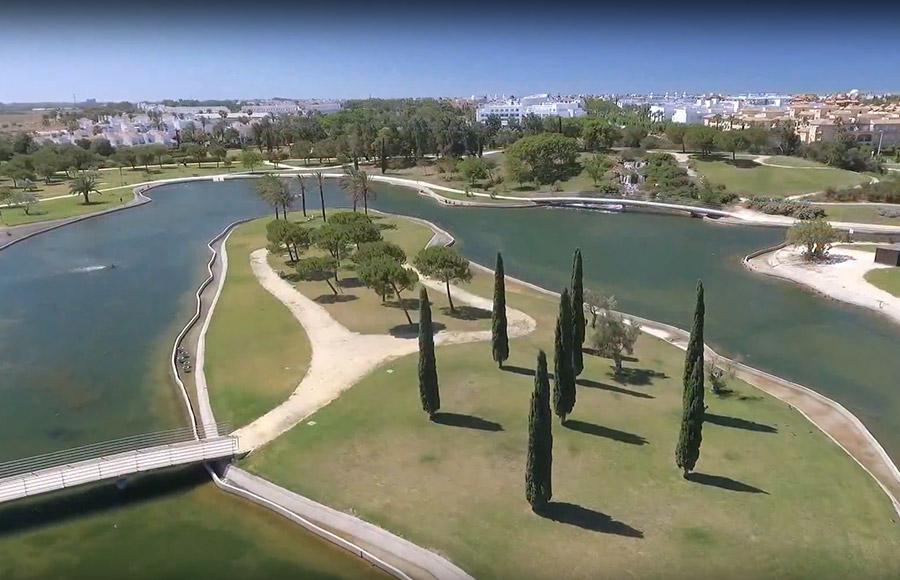 Chipiona presenta un vídeo promocionando Costa Ballena